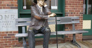Statue Downtown Grapevine